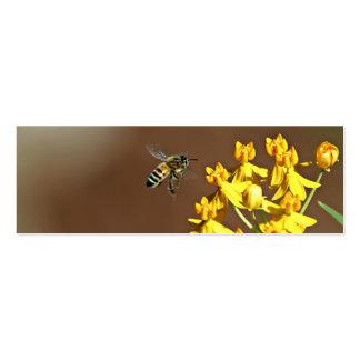 Abeja en señal de la flor tarjetas de visita