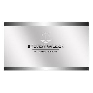 Abogado en la escala legal de acero blanca y de tarjetas de visita