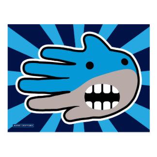 Abra el tiburón azul de la boca postal