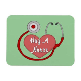 Abrace a una enfermera imanes de vinilo