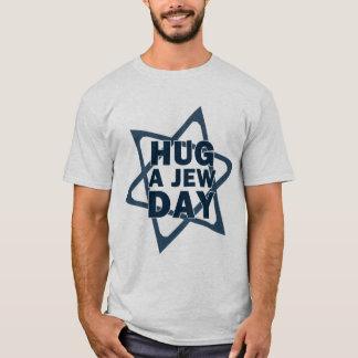 Abrace un día del judío camiseta