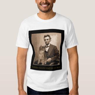 """Abraham Lincoln y """"Dixie"""" su gato Camisetas"""