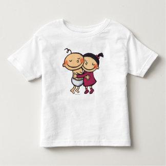 Abrazo de los mejores amigos camiseta de bebé
