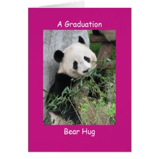 Abrazo de oso de la graduación de la panda gigante