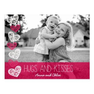 Abrazos y postal de la foto de los besos