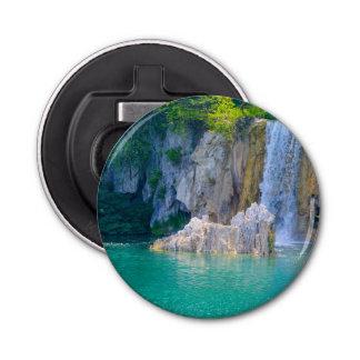 Abrebotellas Cascada en el parque nacional de Plitvice en