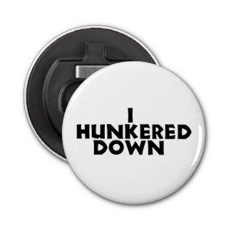 Abrebotellas Hunkered abajo