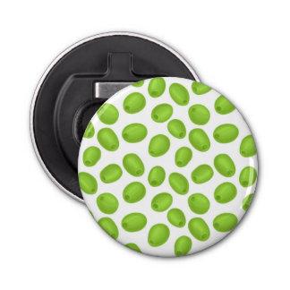Abrebotellas Modelo con las aceitunas verdes