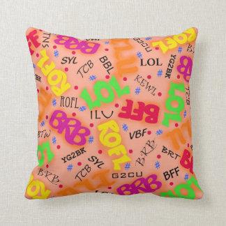 Abreviaturas anaranjadas de los símbolos del arte almohada