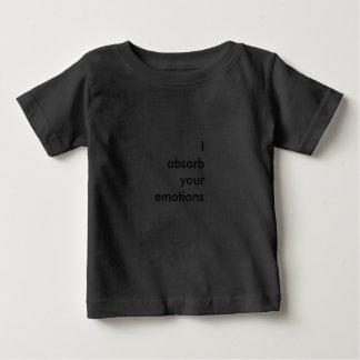 Absorbo sus emociones camiseta de bebé