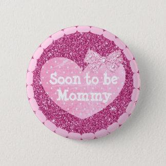 Abuela a ser falso botón rosado de la fiesta de