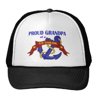 Abuelo orgulloso de un marinero de los E.E.U.U. Gorra