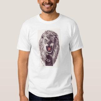 Abundancia del león camisetas