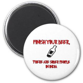 acabe su cerveza con una botella de cerveza iman para frigorífico