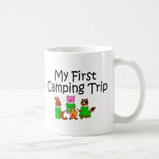 Acampando mi primera acampada tazas de café