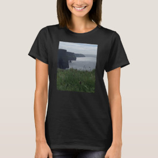Acantilados de la camiseta de Moher
