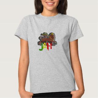 Accionado por el león de Jah de Judah Rastafari Camiseta