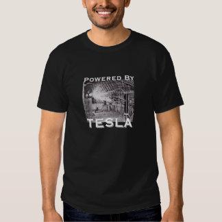 Accionado por Tesla Camisas