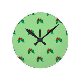 acebo del navidad de la lentejuela reloj redondo mediano