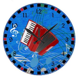 Acordeón rojo en notas musicales reloj redondo grande