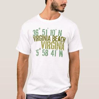 Actitud de la playa de Virgina Camiseta