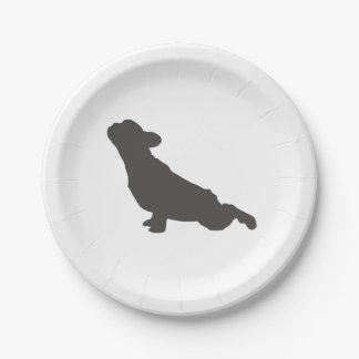 Actitud de la yoga del dogo francés platos de papel