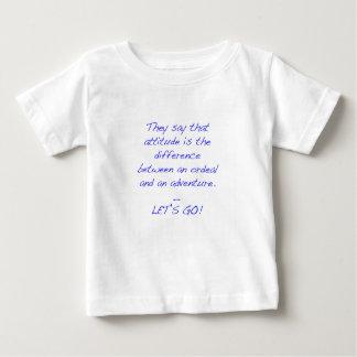 Actitud - diferencia entre la prueba dura y la camiseta de bebé