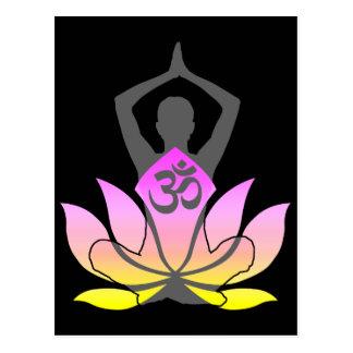 Actitud espiritual de la yoga de la flor de OM Postal