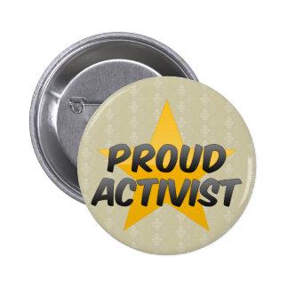 Activista orgulloso pin