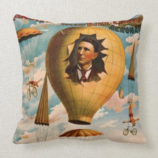 Acto 1896 del paracaídas de la bicicleta cojín decorativo