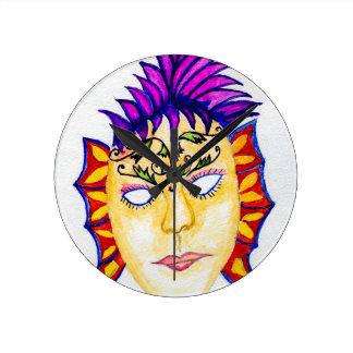 Acuarela 2 de la máscara del carnaval reloj redondo mediano
