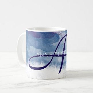 acuarela azul con conocido e inicial (monograma) taza de café
