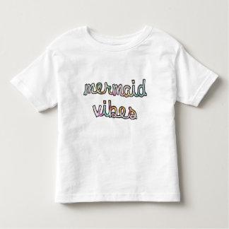 Acuarela colorida de la sensación de la sirena camiseta de bebé