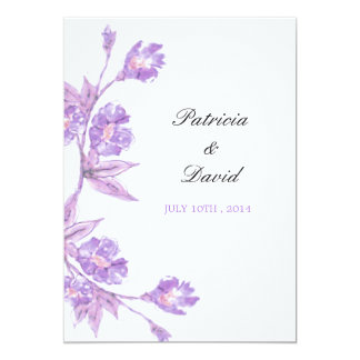 Acuarelas florales violetas que casan invitaciones invitación 12,7 x 17,8 cm