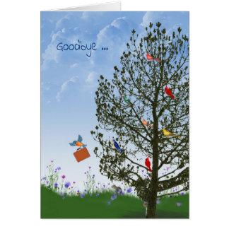 Adiós con los pájaros en árbol tarjeta de felicitación