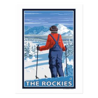Admiración del esquiador - los Rockies Tarjetas Postales