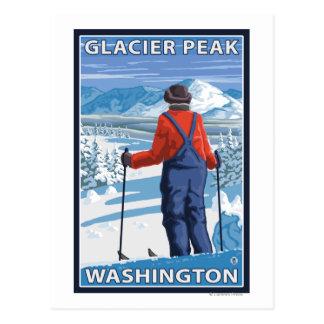 Admiración del esquiador - pico del glaciar, postal