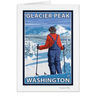 Admiración del esquiador - pico del glaciar Washi Felicitación