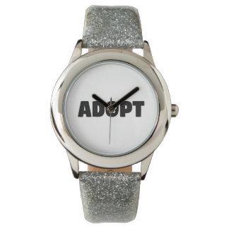Adopte el reloj de la impresión de la pata