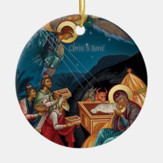 Adoración del ornamento del navidad de unos de los adorno navideño redondo de cerámica
