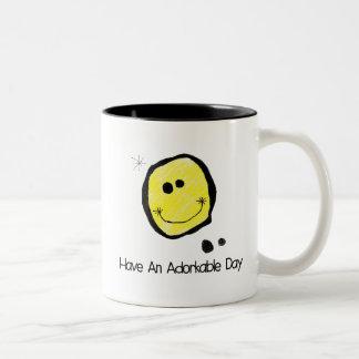 Adorkable feliz Cara-Tiene un día de Adorkable Taza Bicolor