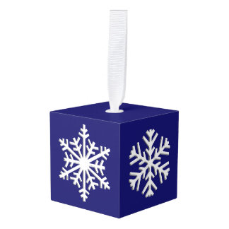 Adorno Cúbico Copos de nieve tridimensionales blancos en un