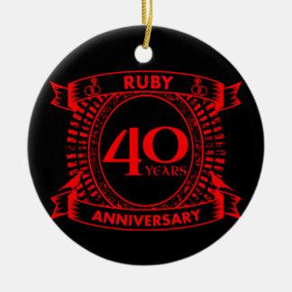 Adorno De Cerámica 40.o escudo del rubí del aniversario de boda