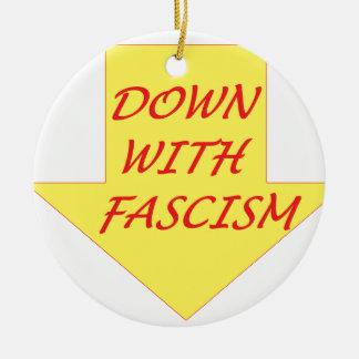 Adorno De Cerámica Abajo con fascismo
