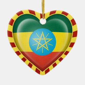 Adorno De Cerámica Bandera etíope del corazón con los rayos de Sun