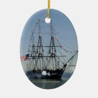 Adorno De Cerámica Cañones de la leña de la constitución de USS
