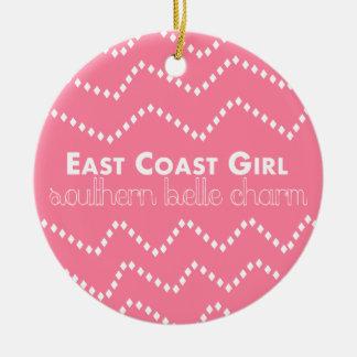 Adorno De Cerámica Chica de la costa este con encanto meridional de