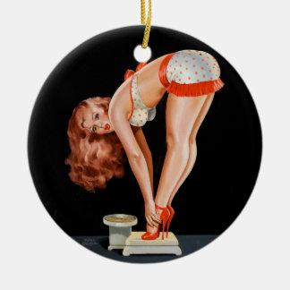 Adorno De Cerámica Chica modelo retro divertido en una escala del