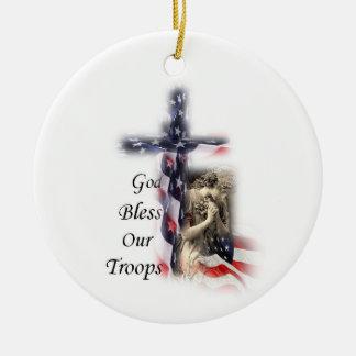 Adorno De Cerámica Cruz de la bandera americana con ángel de rogación