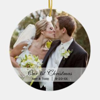 Adorno De Cerámica de boda con foto de nuestra primera Navidad